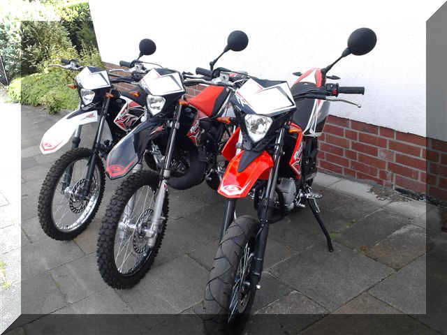 50ccm enduro neufahrzeug simson mokick s51 1 enduro 50ccm. Black Bedroom Furniture Sets. Home Design Ideas